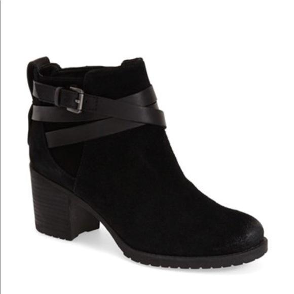 e8db6037a Sam Edelman Shoes - NWOB Sam Edelman Hannah Belted Chelsea Bootie